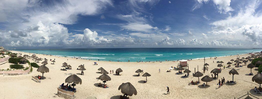 Delfines Beach in Cancun (Playa Delfines)