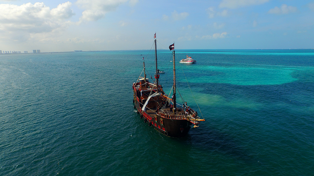 Jolly Roger Pirate Ship groups in Cancun for Businesses