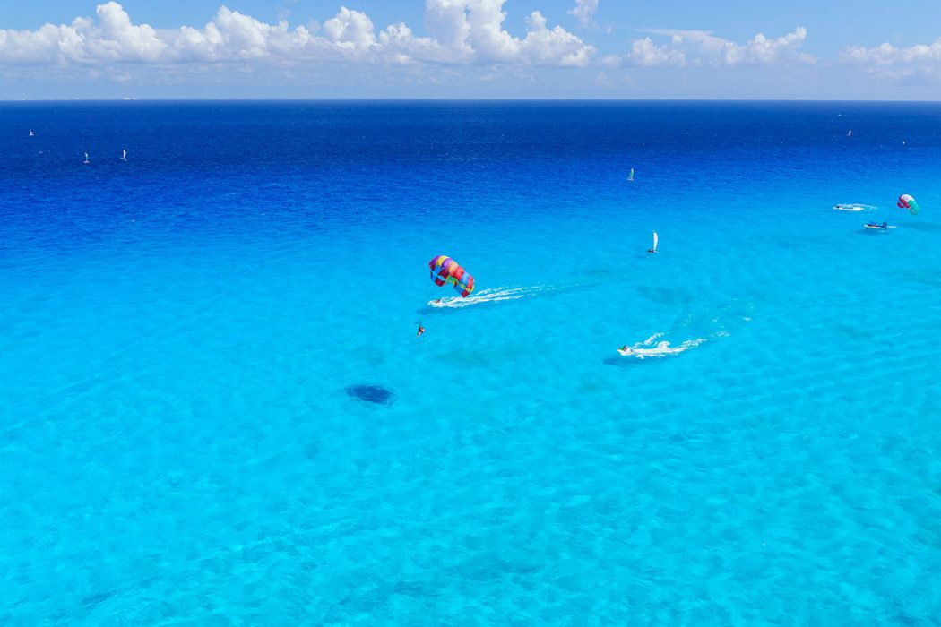 Top Things to do in Cancun – Parasailing