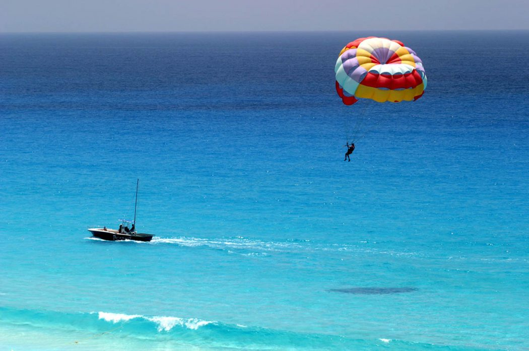 Cancun Parasailing Tour