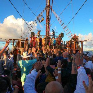 Cancun's Top Tour: Jolly Roger Pirate Ship