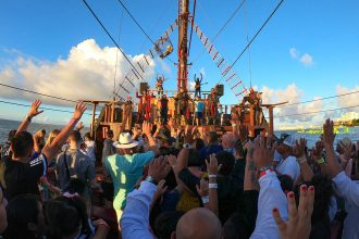 Cancun's Top Tour: Jolly Roger Pirate Ship