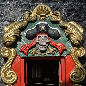 jolly-roger-pirate-ship-cancun3