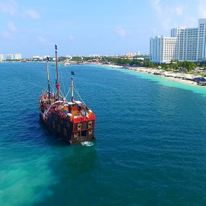 jolly roger cancun pirateship barco pirata
