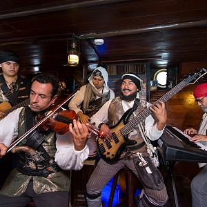 live-music-pirate-show-jolly-roger8
