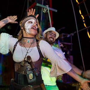 pirate-show-jolly-roger-15