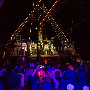 pirate-show-jolly-roger-23