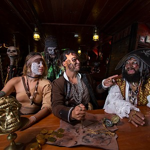 pirates-jolly-roger-cancun14